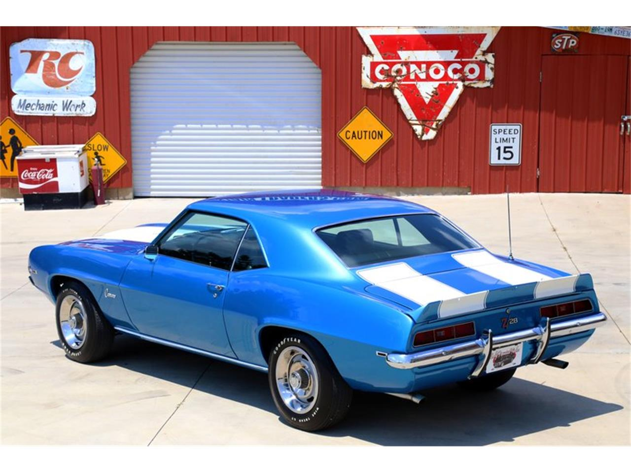 Large Picture of '69 Camaro located in Lenoir City Tennessee - $99,995.00 Offered by Smoky Mountain Traders - O8O3
