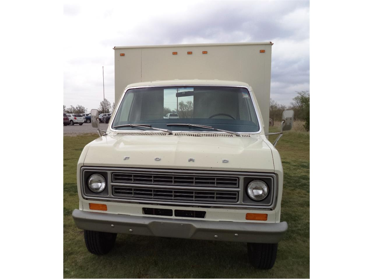 Large Picture of '76 Ford E350 located in Great Bend Kansas Auction Vehicle Offered by F & E Collector Auto Auctions - OGM0