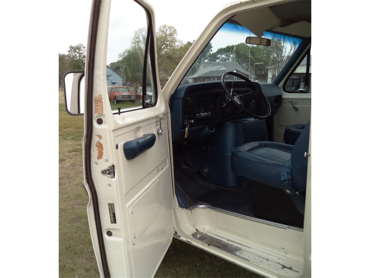 Large Picture of '76 Ford E350 Auction Vehicle Offered by F & E Collector Auto Auctions - OGM0