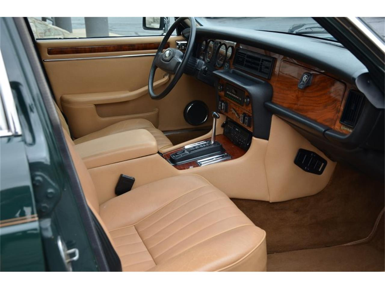 Large Picture of '87 XJ6 - OGWK