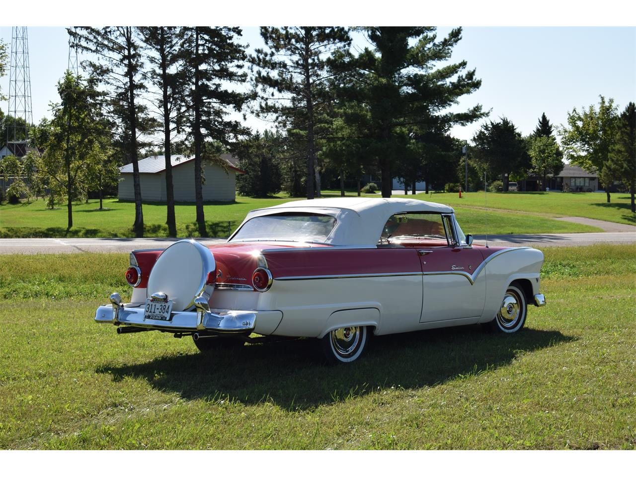 Large Picture of '55 Sunliner Offered by Hooked On Classics - OGX1