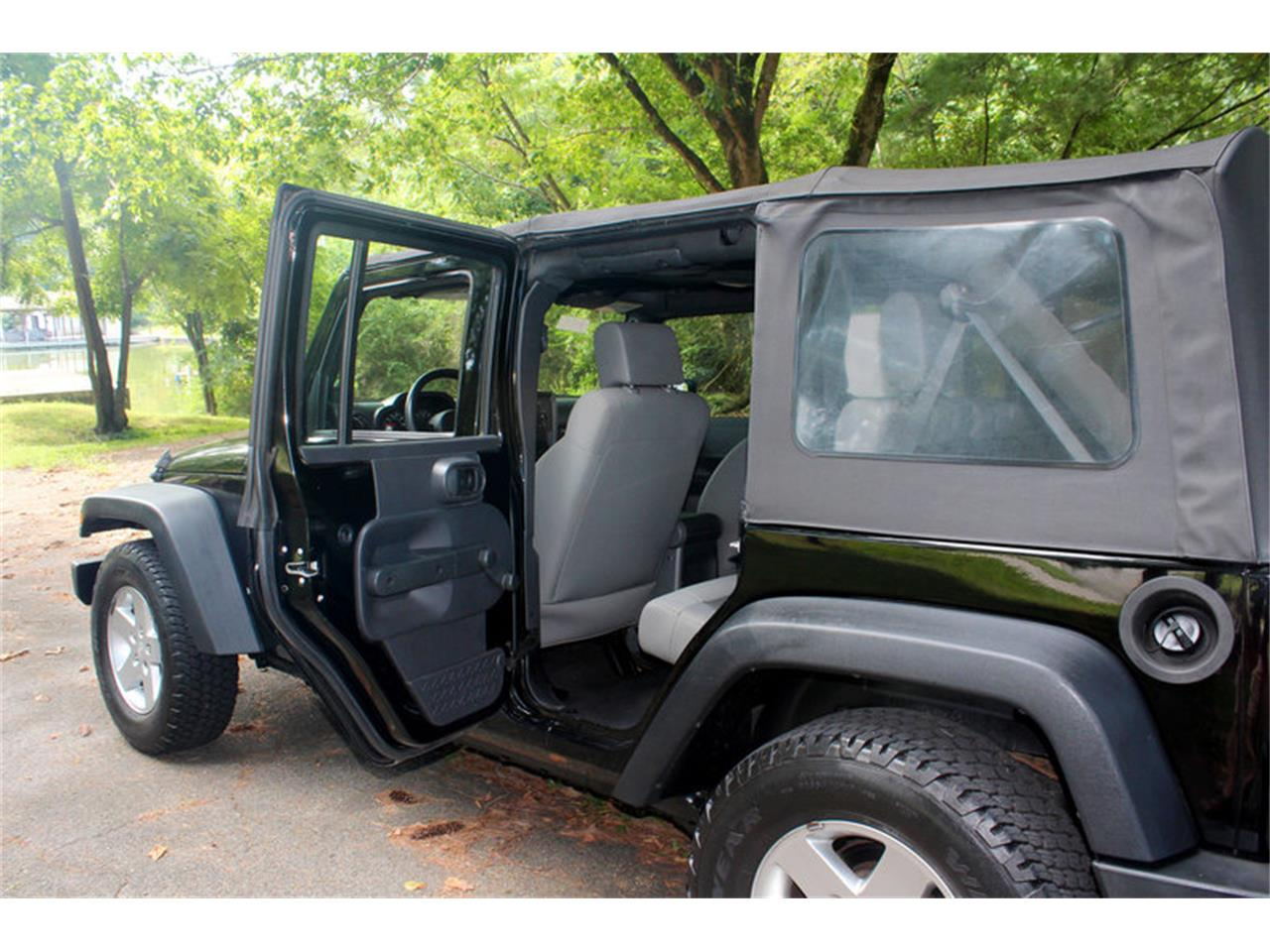 Large Picture of '09 Jeep Wrangler located in Tennessee - $17,900.00 Offered by Smoky Mountain Traders - OH0K