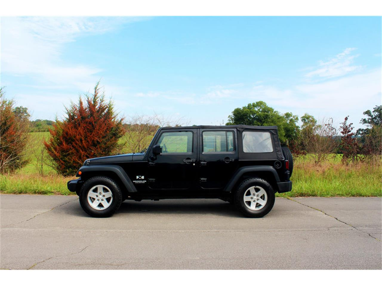 Large Picture of '09 Jeep Wrangler - $17,900.00 - OH0K