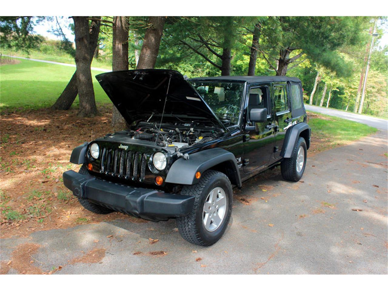 Large Picture of '09 Jeep Wrangler - $17,900.00 Offered by Smoky Mountain Traders - OH0K