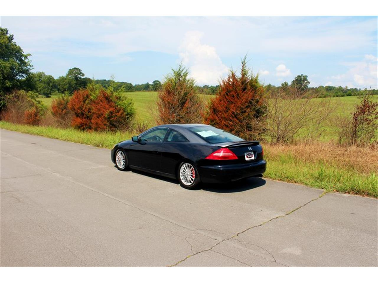 Large Picture of '04 Honda Accord located in Tennessee Offered by Smoky Mountain Traders - OH0M