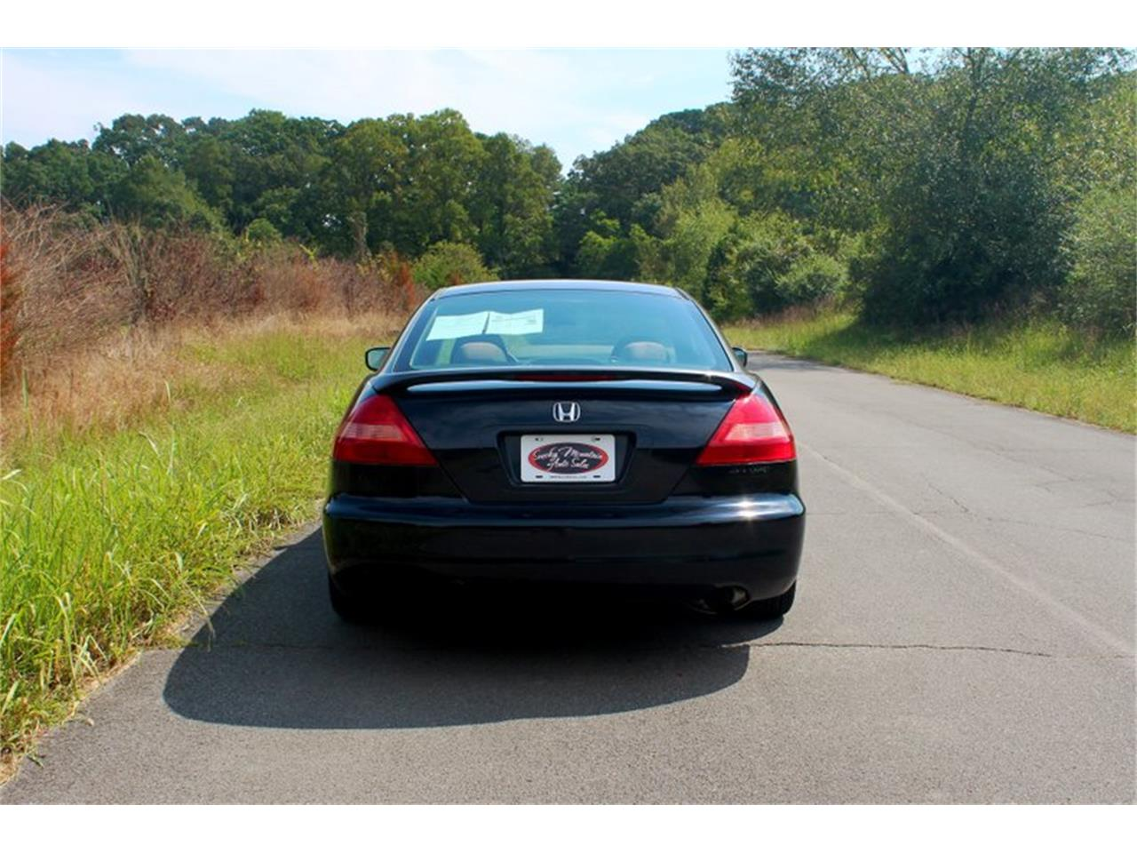 Large Picture of 2004 Honda Accord located in Lenoir City Tennessee - OH0M