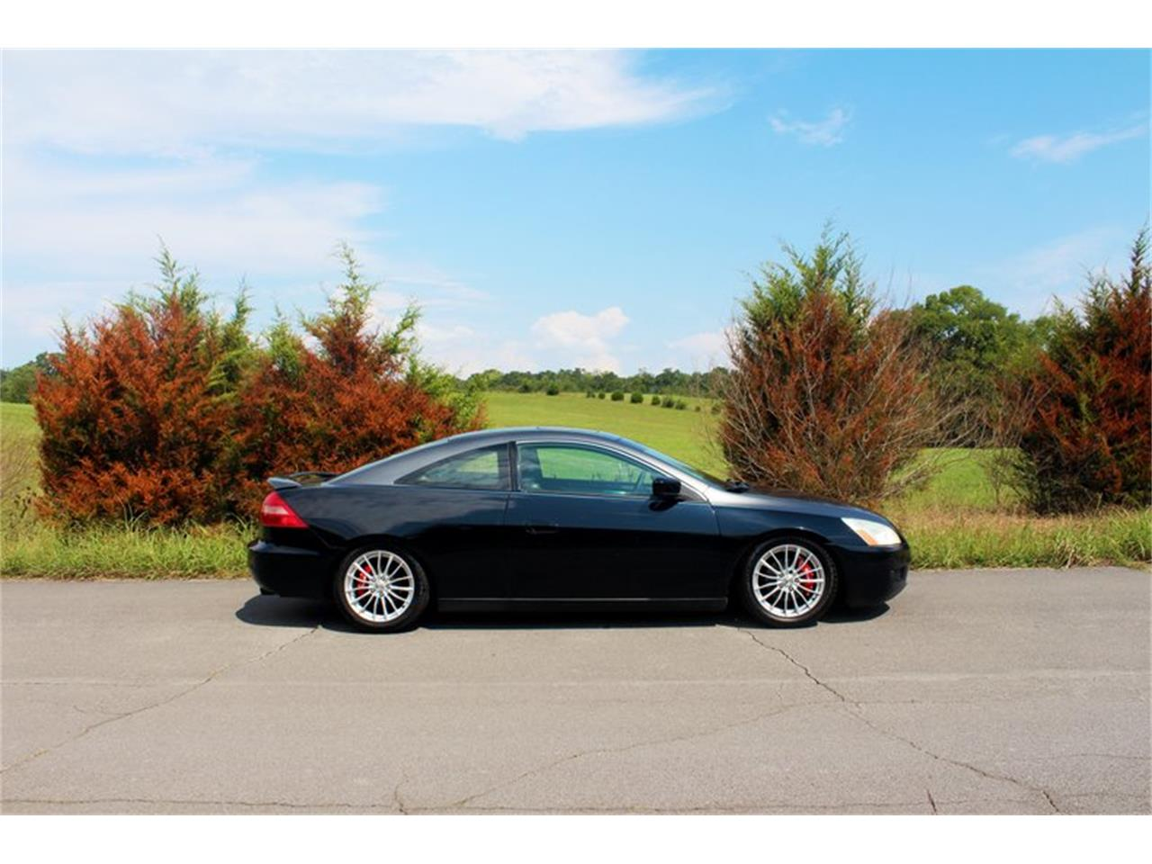 Large Picture of '04 Accord Offered by Smoky Mountain Traders - OH0M
