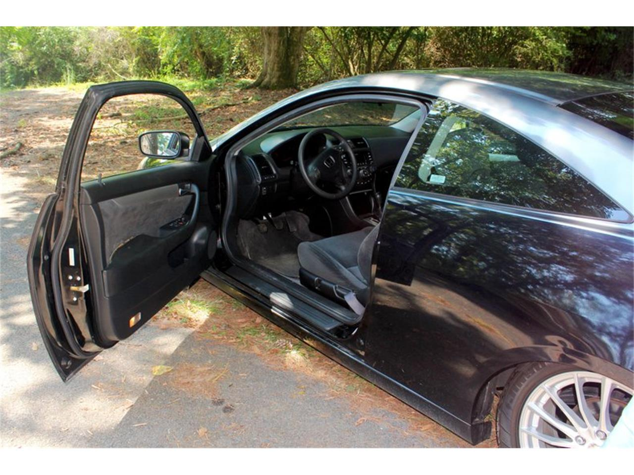 Large Picture of '04 Honda Accord - $5,995.00 - OH0M