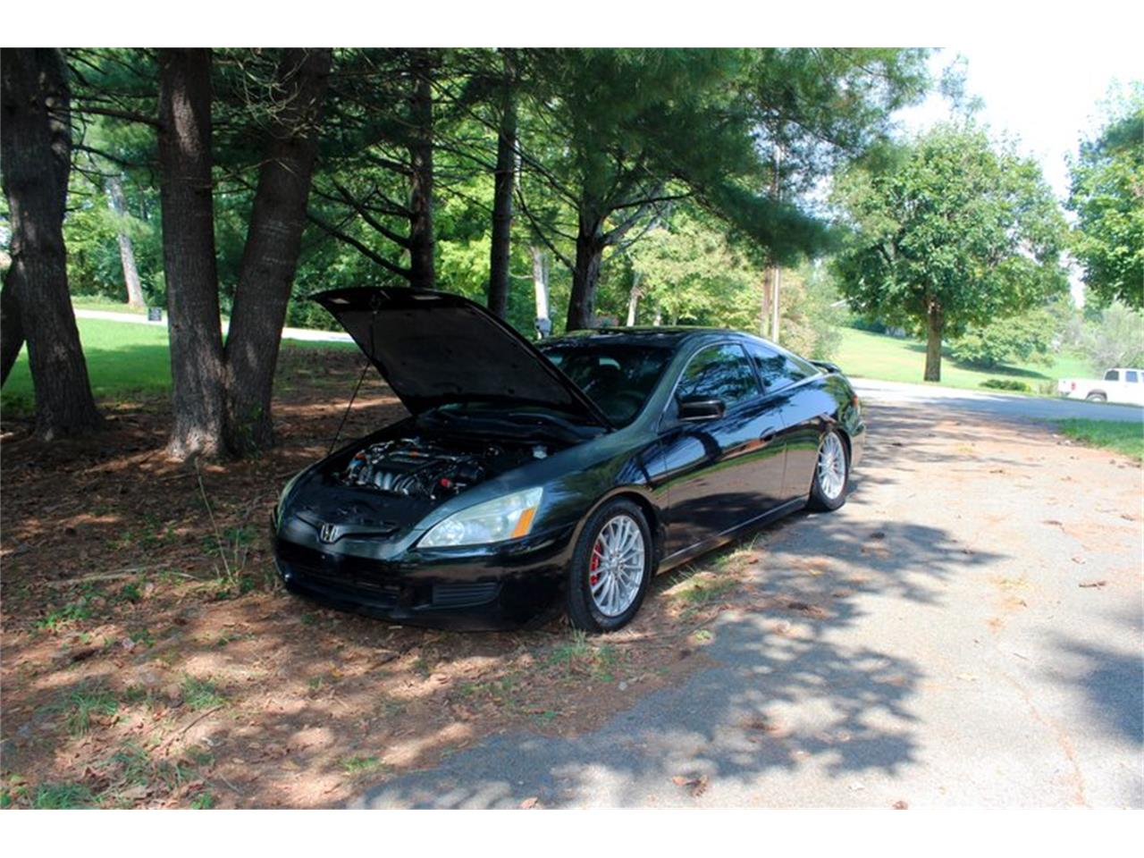 Large Picture of 2004 Honda Accord located in Tennessee - $5,995.00 Offered by Smoky Mountain Traders - OH0M