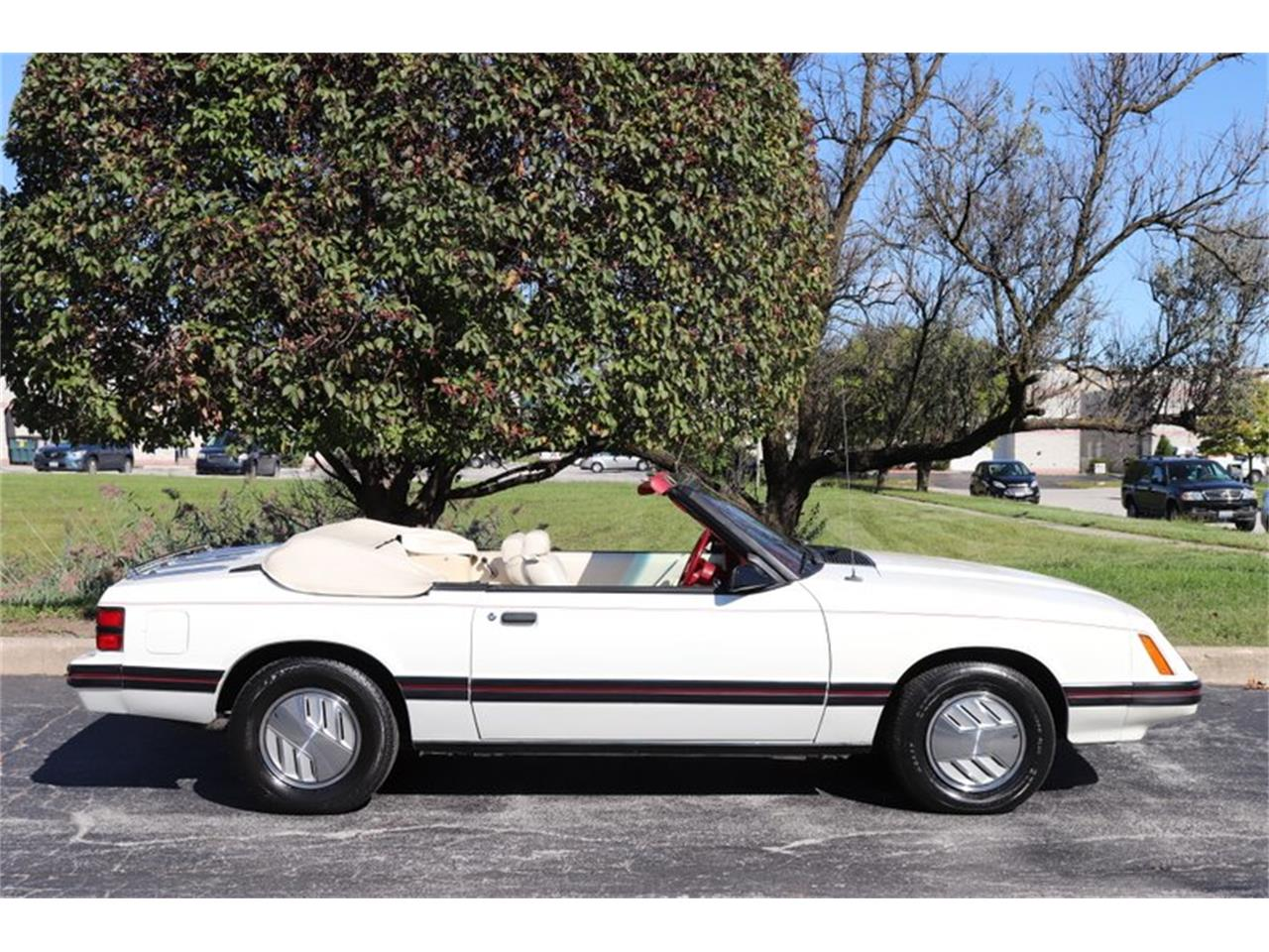 Large Picture of '83 Mustang located in Alsip Illinois - OHLI