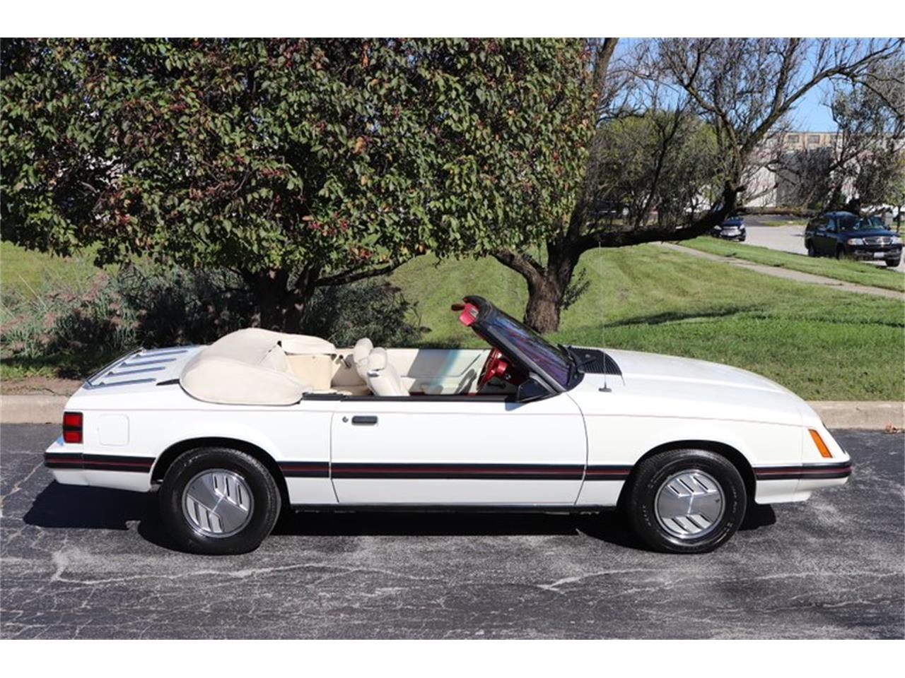 Large Picture of 1983 Ford Mustang located in Alsip Illinois - OHLI