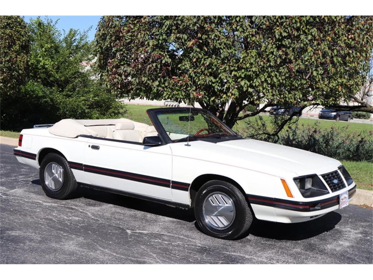 Large Picture of '83 Mustang located in Alsip Illinois - $7,900.00 Offered by Midwest Car Exchange - OHLI
