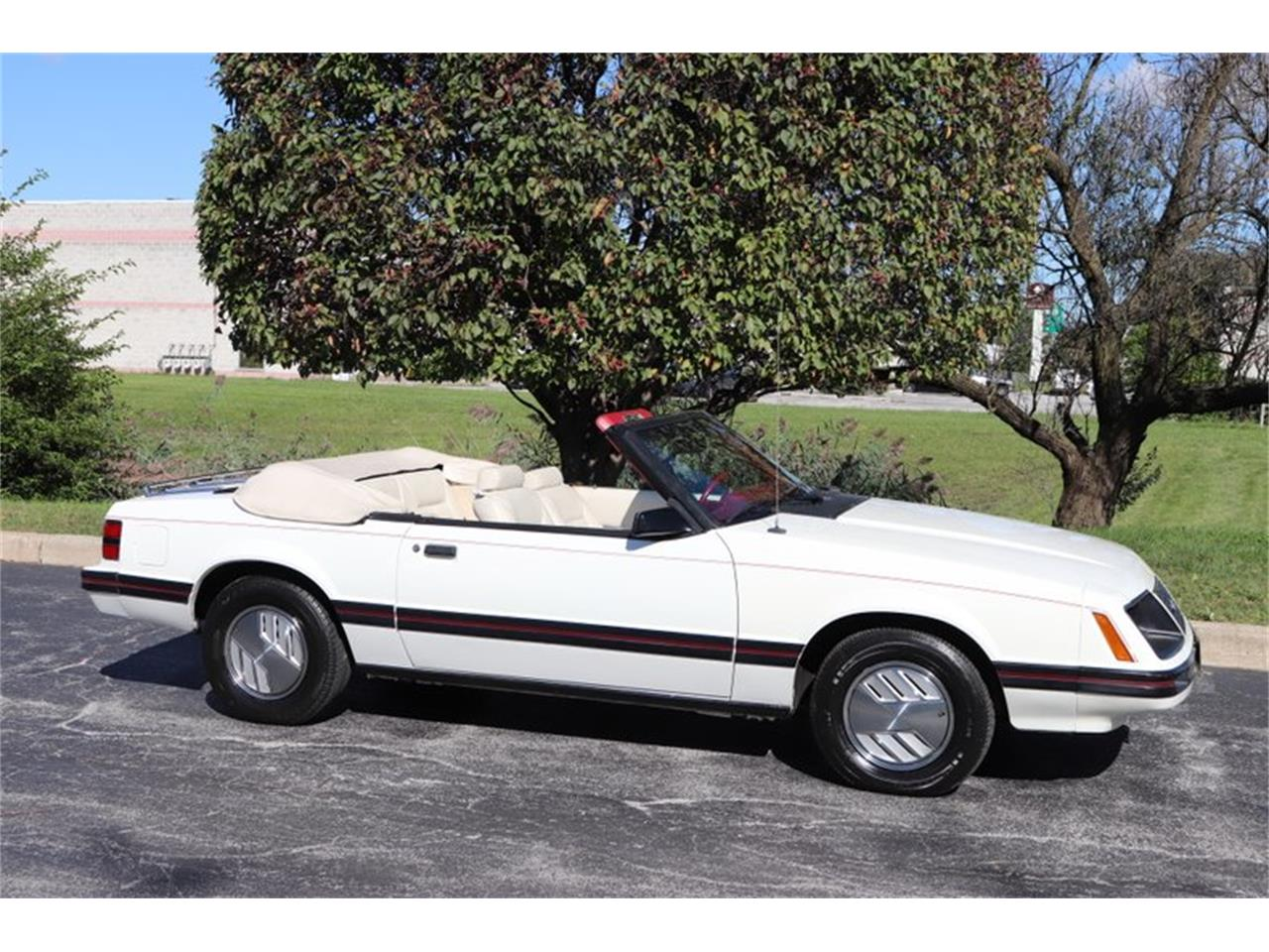 Large Picture of 1983 Mustang Offered by Midwest Car Exchange - OHLI