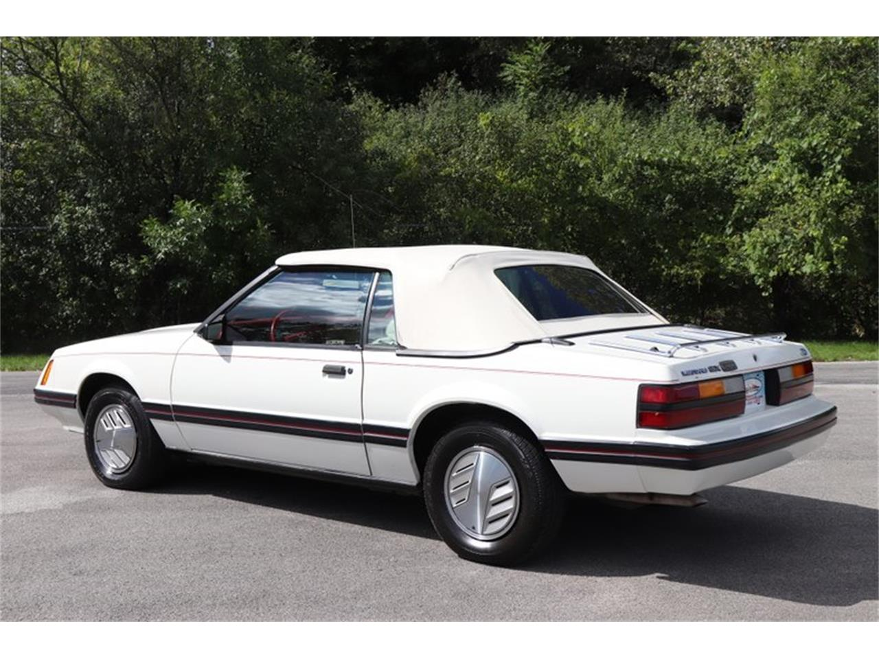Large Picture of '83 Ford Mustang Offered by Midwest Car Exchange - OHLI