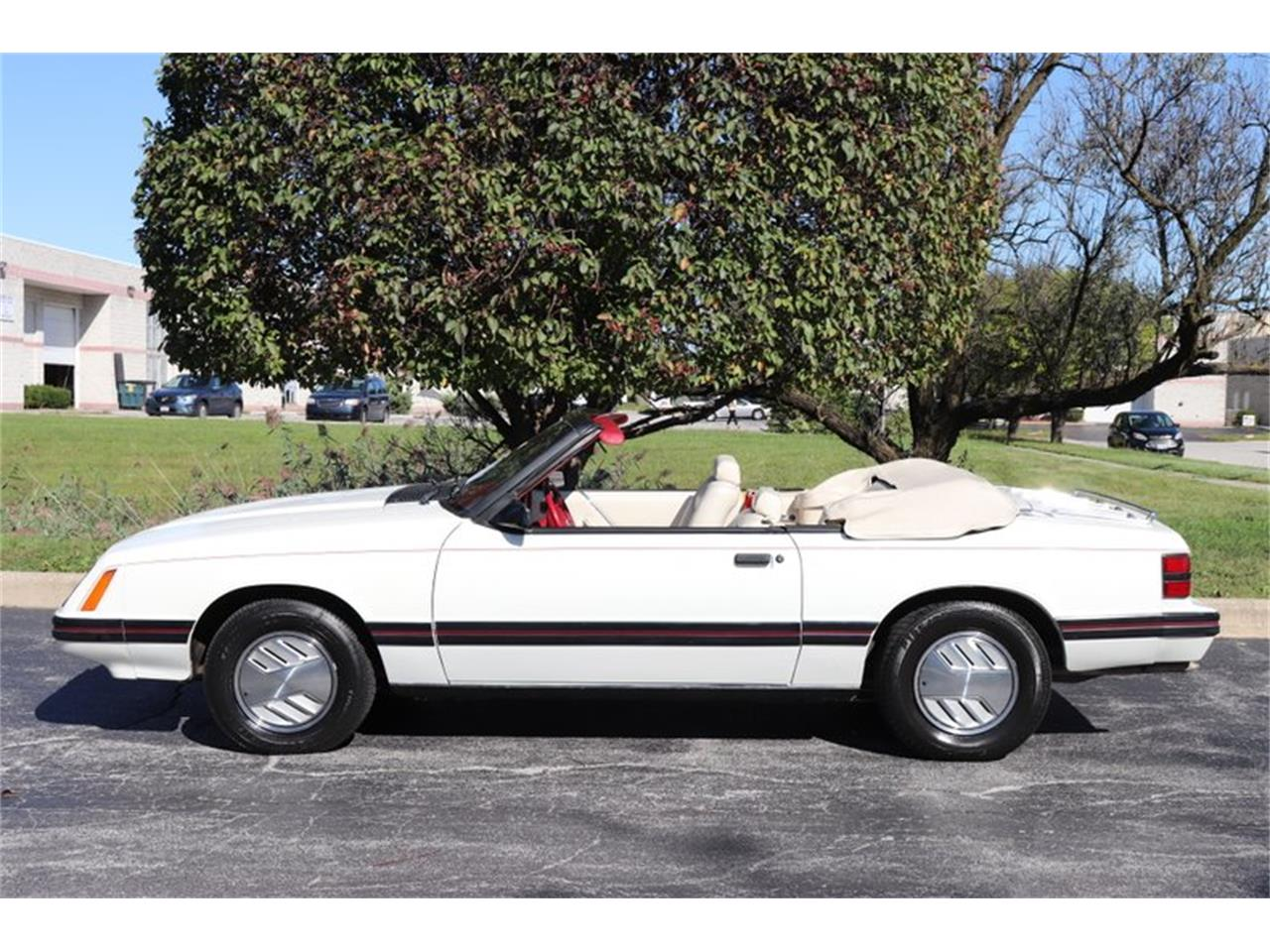 Large Picture of '83 Mustang located in Alsip Illinois Offered by Midwest Car Exchange - OHLI