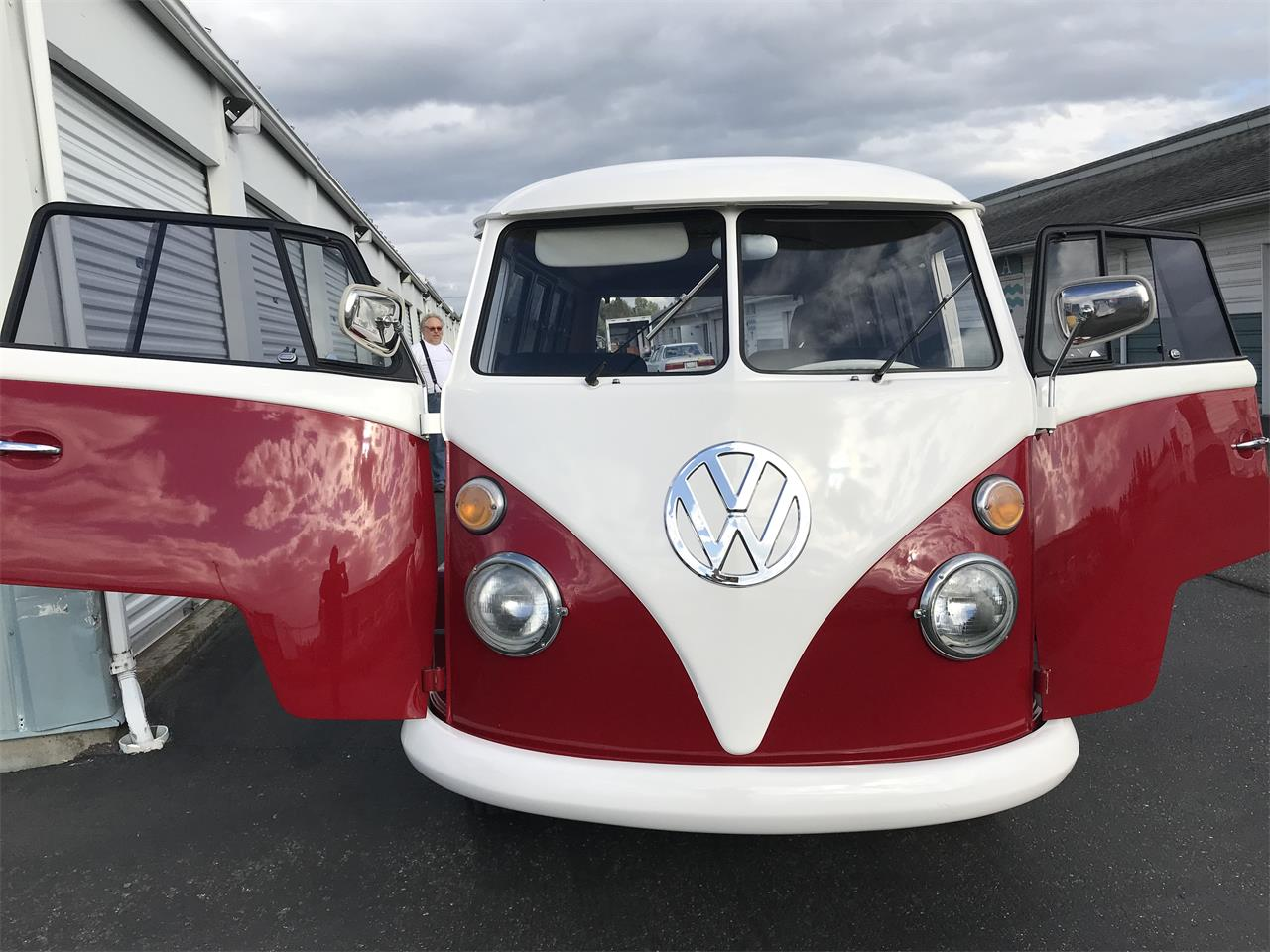 Large Picture of Classic 1967 Volkswagen Bus - $35,000.00 - OHRO