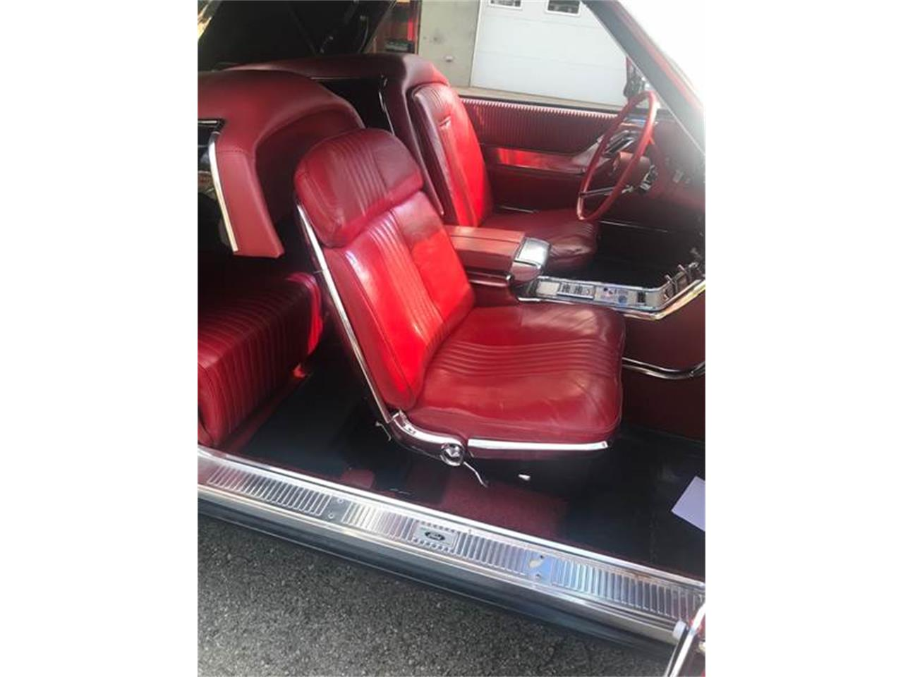 Large Picture of Classic '64 Thunderbird located in Clarksburg Maryland Offered by Eric's Muscle Cars - OHWZ