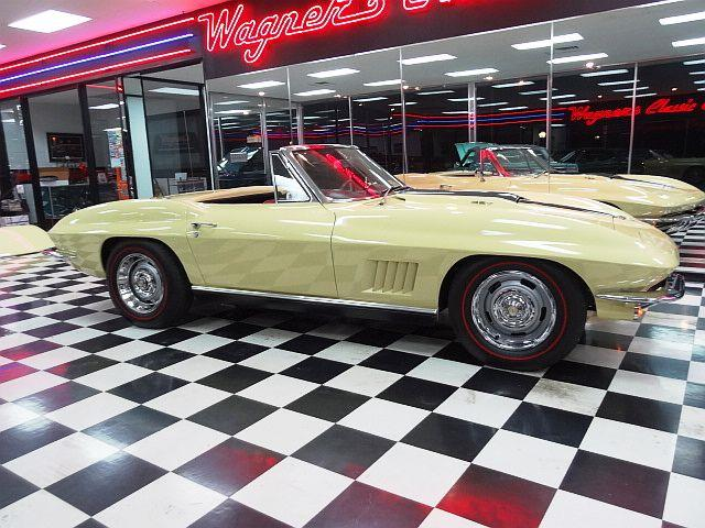 Picture of Classic '67 Corvette located in Kansas - $165,000.00 - OHZE
