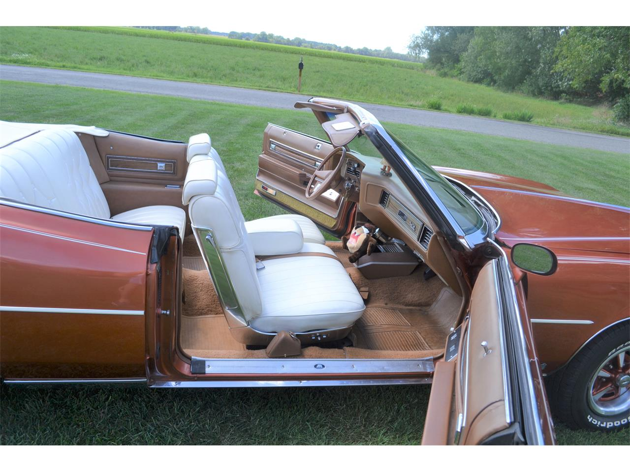 Large Picture of 1975 Pontiac Grand Ville located in Indiana Offered by a Private Seller - OI2B