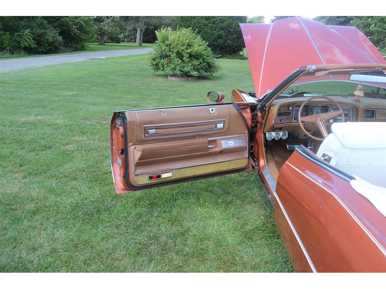 Large Picture of '75 Pontiac Grand Ville - $17,500.00 Offered by a Private Seller - OI2B