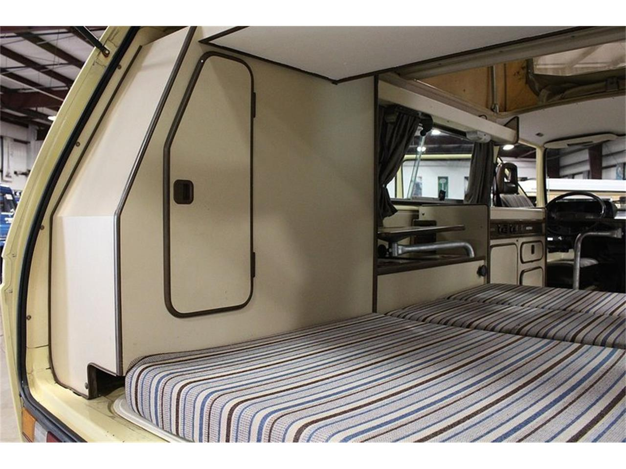 Large Picture of '83 Volkswagen Westfalia Camper located in Michigan Offered by GR Auto Gallery - OIFP