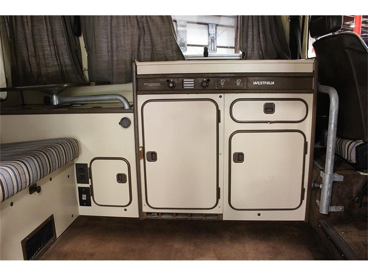 Large Picture of 1983 Volkswagen Westfalia Camper located in Kentwood Michigan Offered by GR Auto Gallery - OIFP
