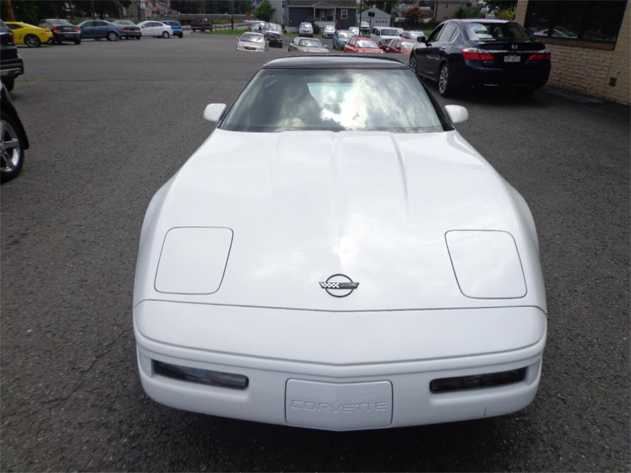 Large Picture of '96 Chevrolet Corvette Auction Vehicle Offered by Miller Brothers Auto Sales Inc - OINA