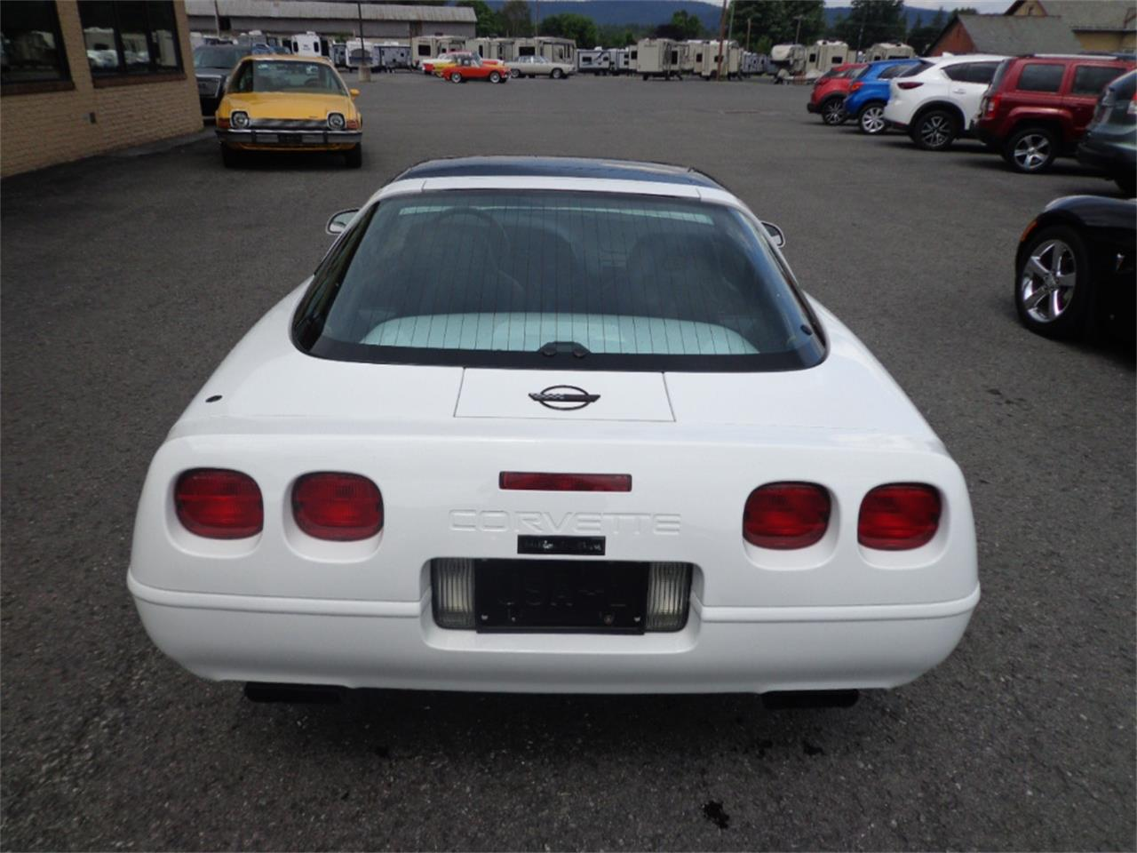 Large Picture of 1996 Chevrolet Corvette located in Pennsylvania Auction Vehicle Offered by Miller Brothers Auto Sales Inc - OINA