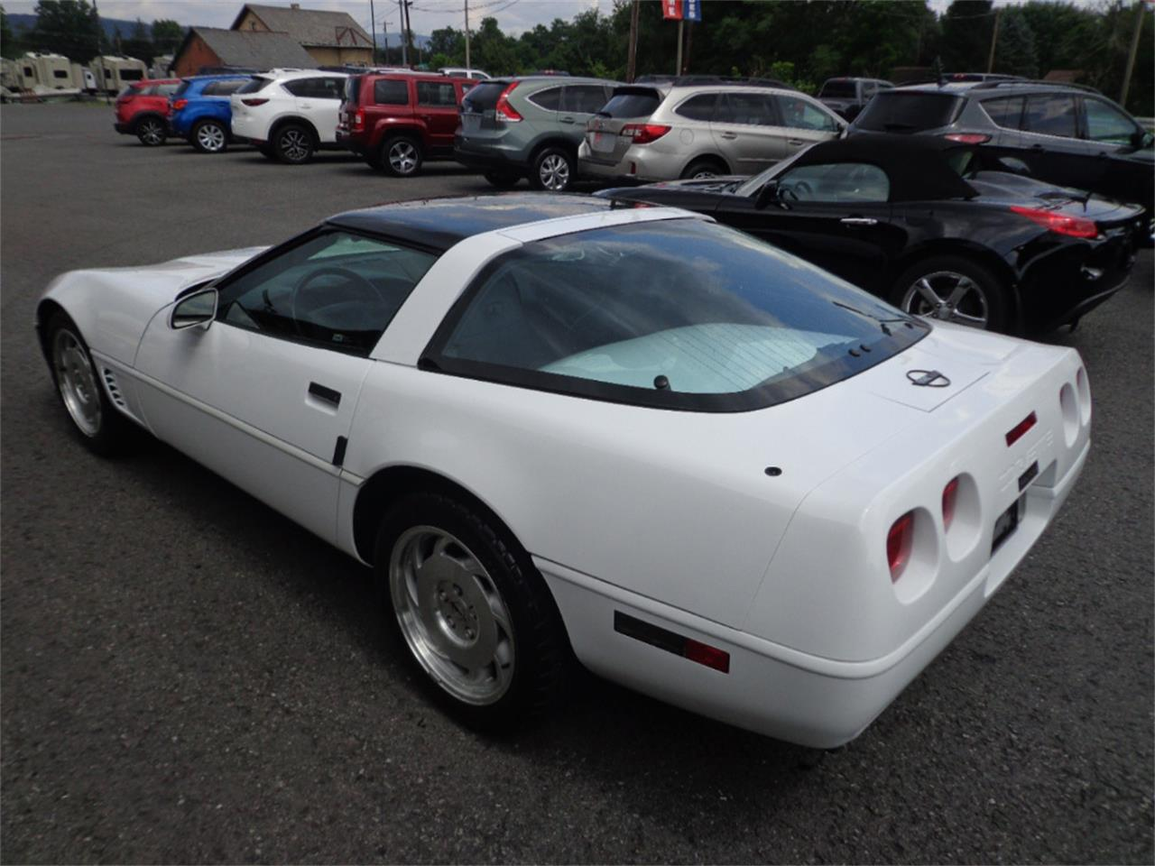 Large Picture of '96 Corvette located in MILL HALL Pennsylvania Auction Vehicle - OINA