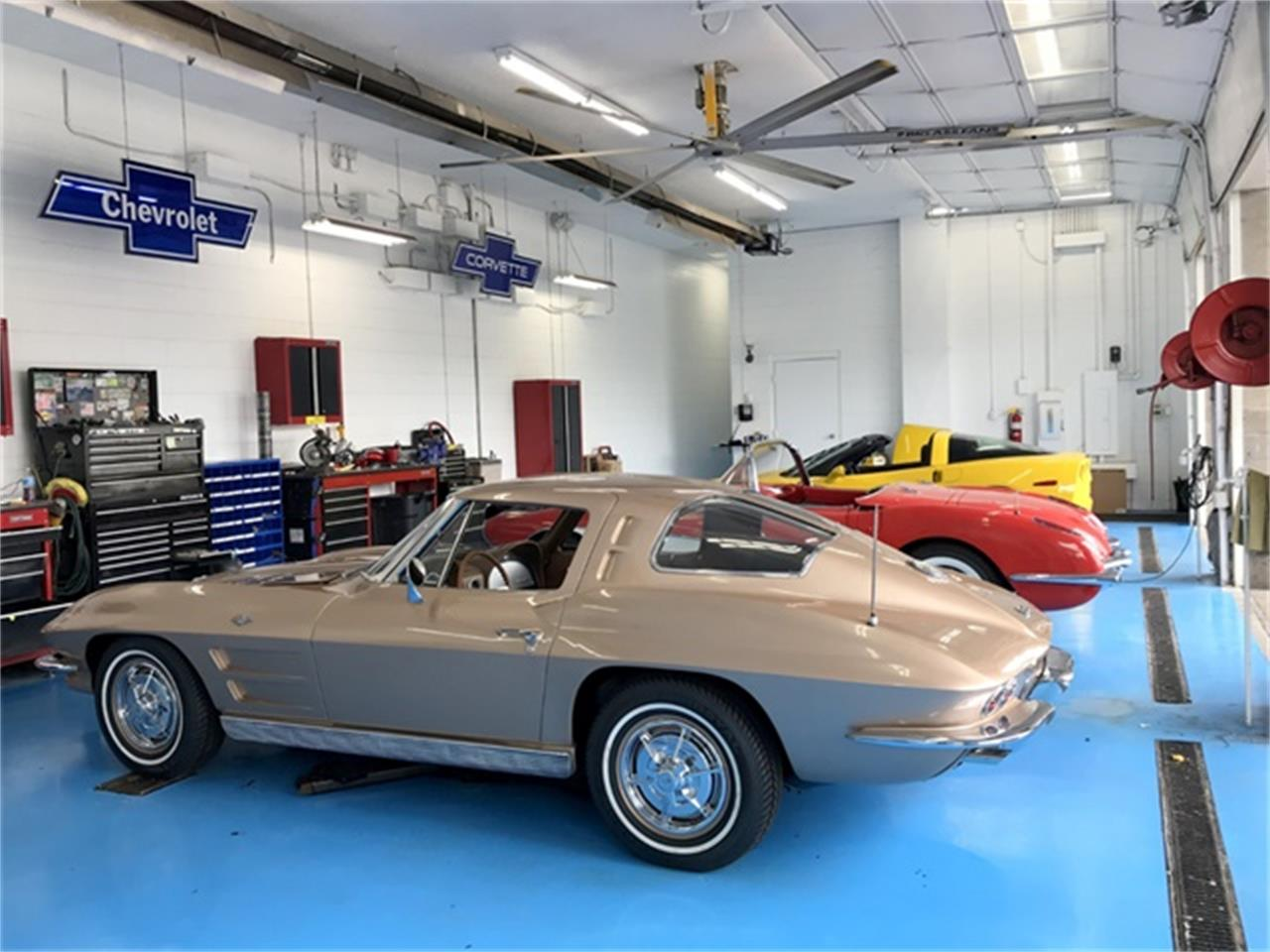 Large Picture of 1961 Chevrolet Corvette located in Springfield Ohio - $49,900.00 - OIUF
