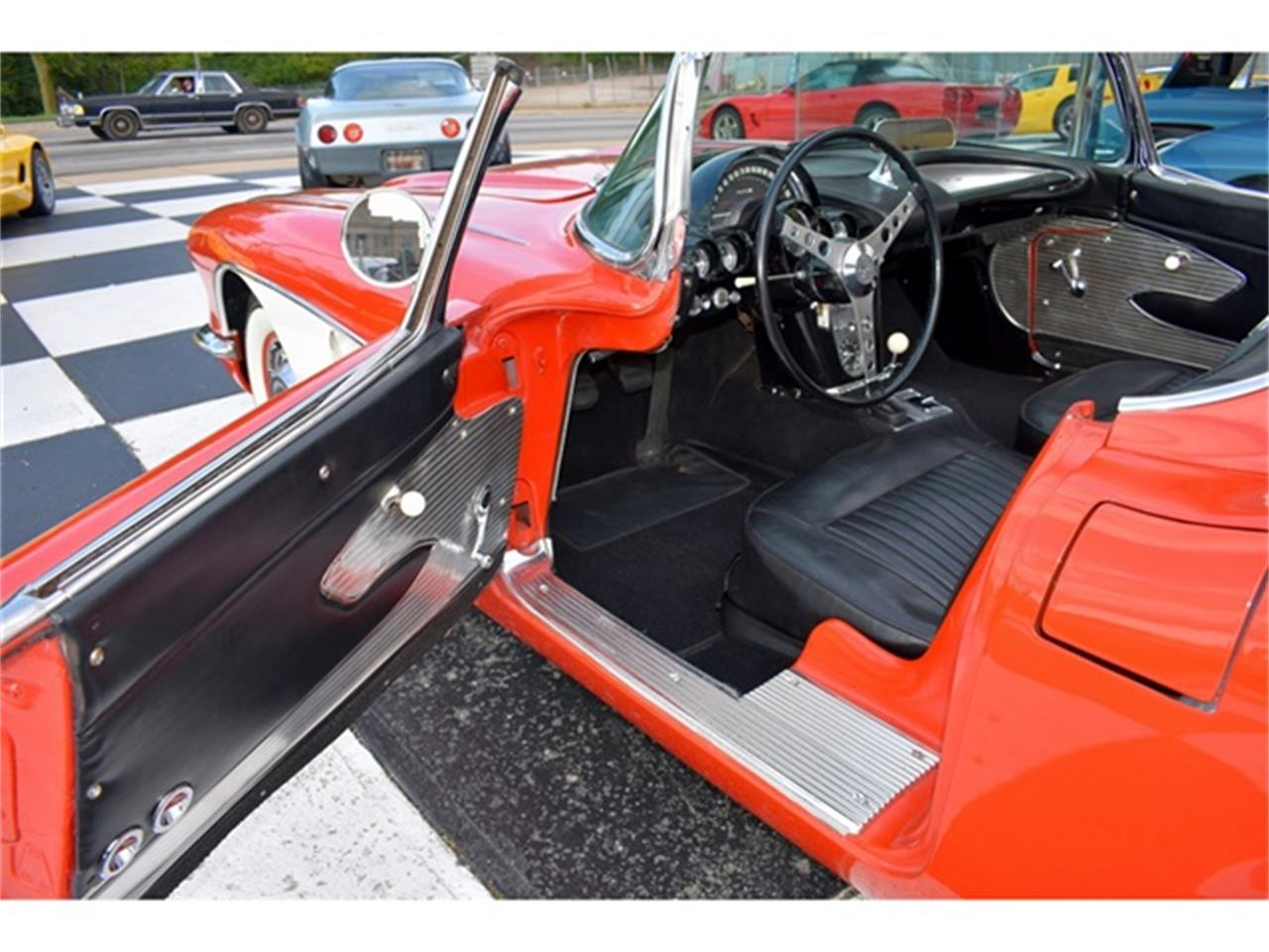 Large Picture of Classic 1961 Chevrolet Corvette - $49,900.00 - OIUF