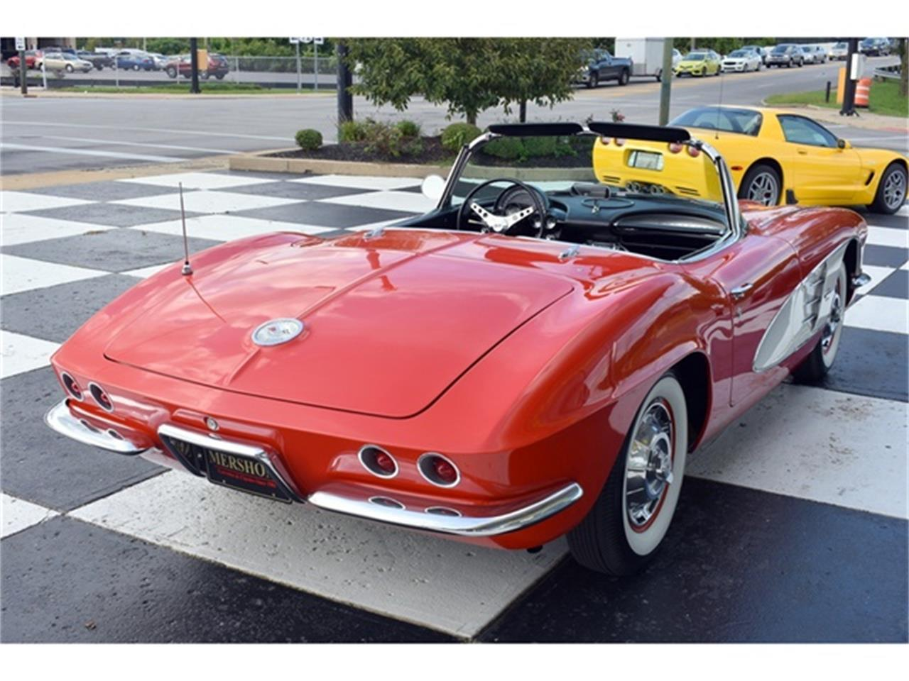 Large Picture of Classic '61 Chevrolet Corvette located in Springfield Ohio - $49,900.00 Offered by Mershon's - OIUF