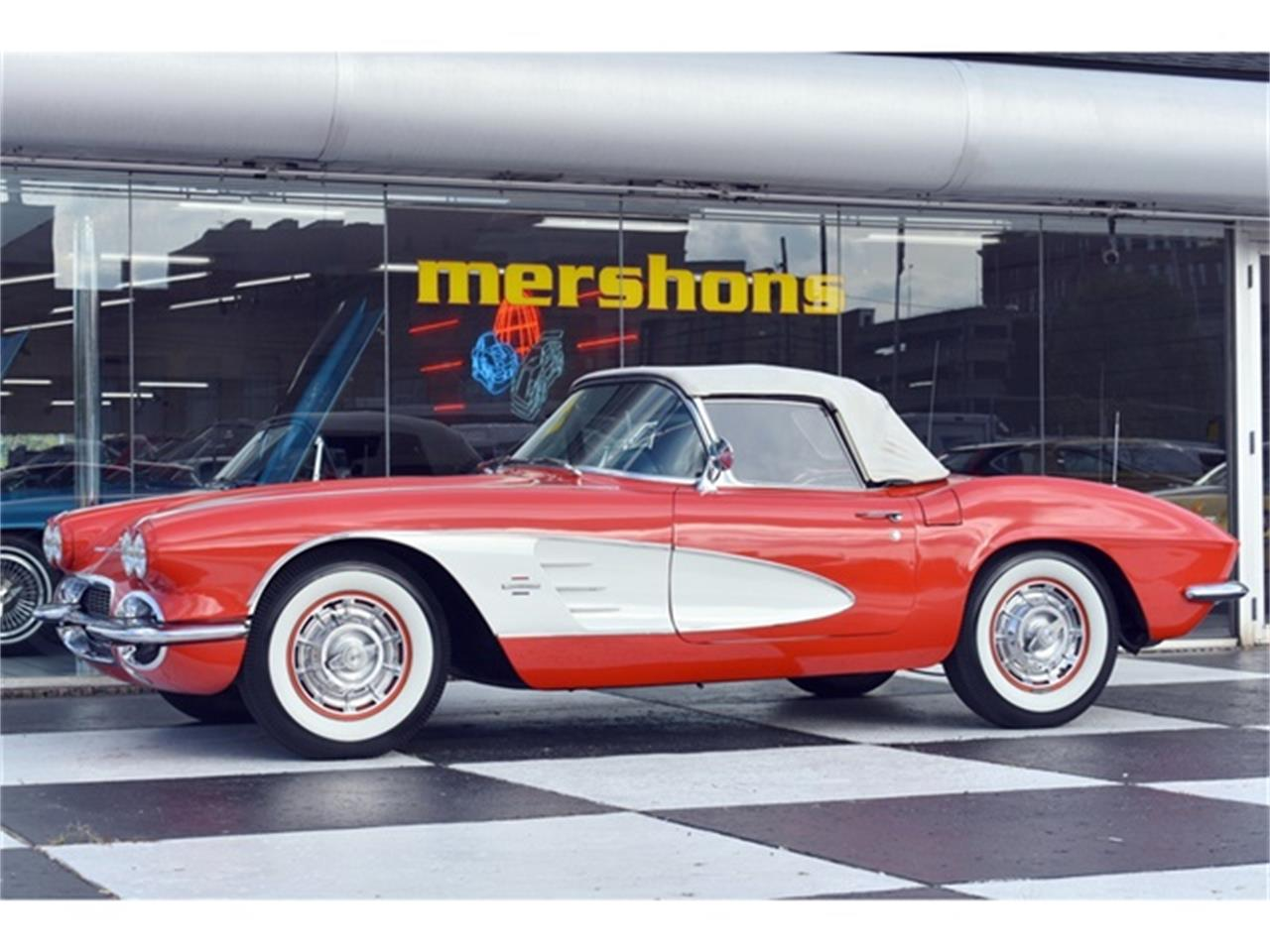 Large Picture of Classic 1961 Corvette Offered by Mershon's - OIUF