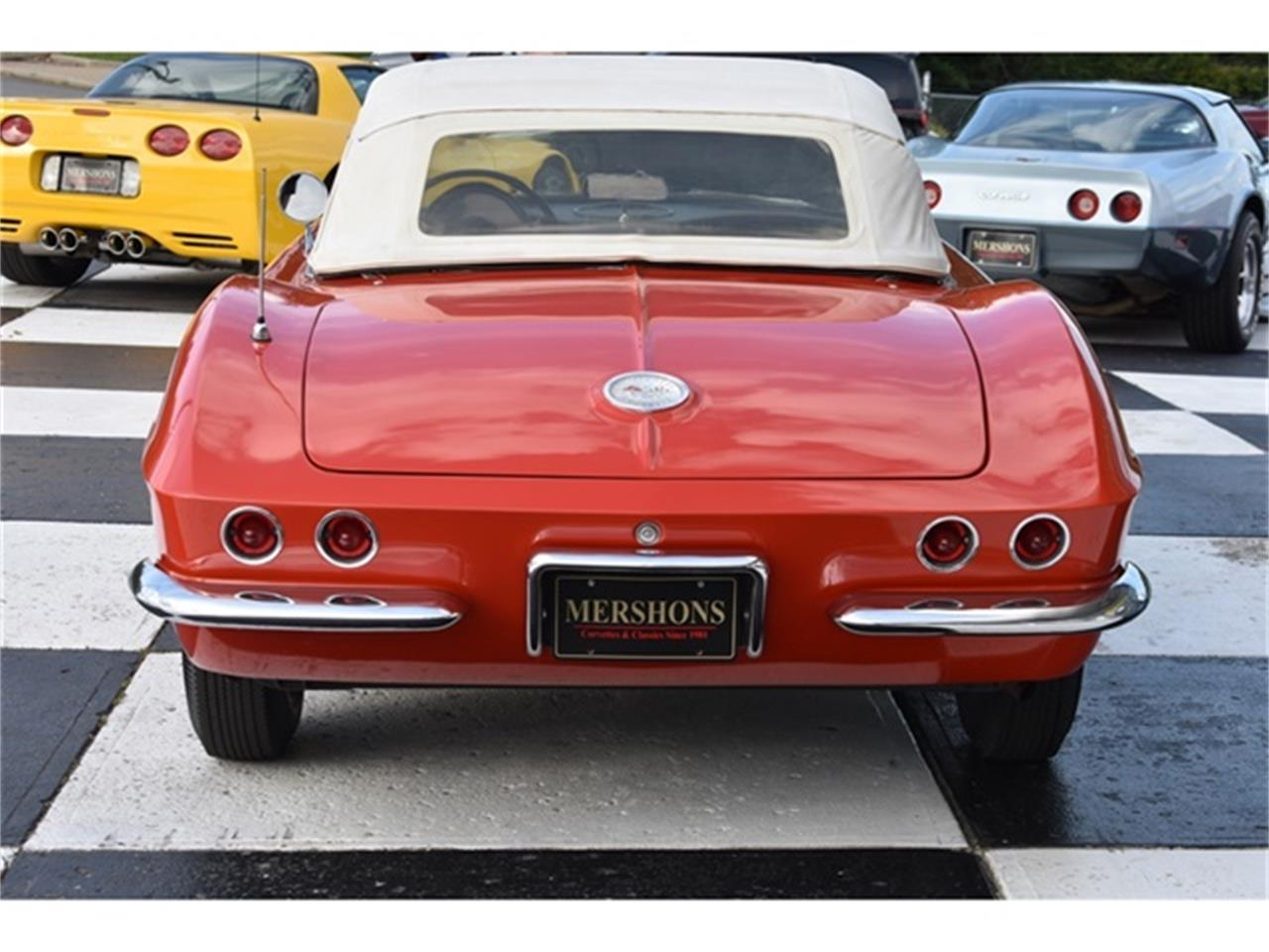 Large Picture of Classic '61 Chevrolet Corvette Offered by Mershon's - OIUF