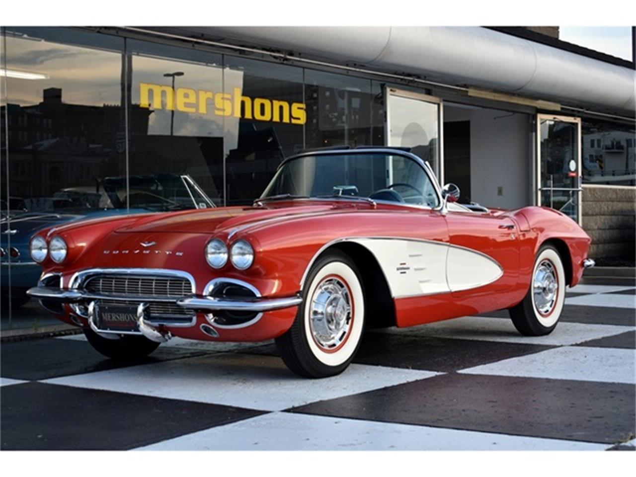 Large Picture of Classic '61 Corvette - OIUF