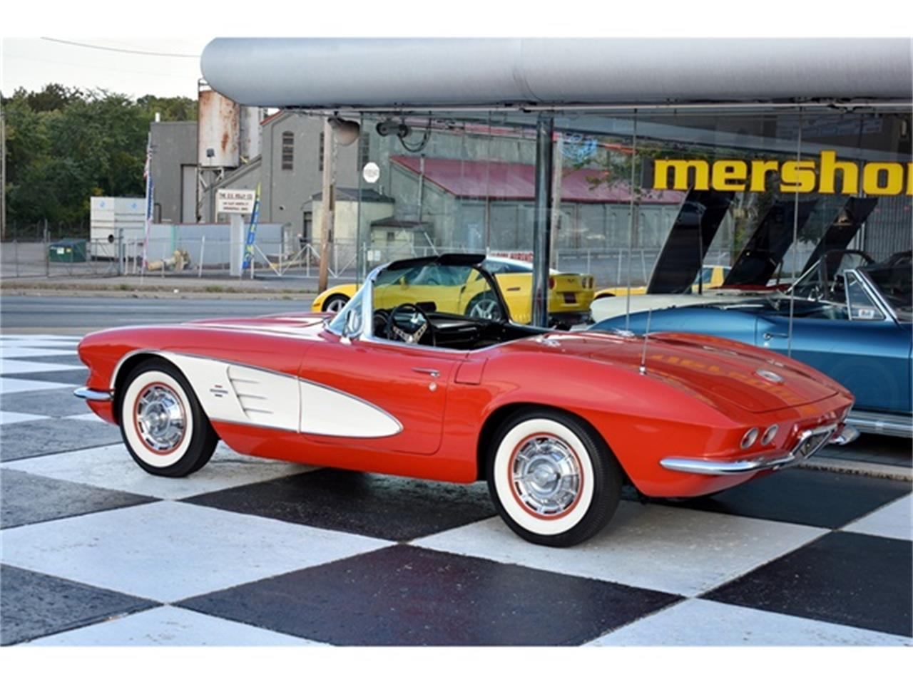 Large Picture of Classic '61 Chevrolet Corvette located in Ohio - $49,900.00 Offered by Mershon's - OIUF