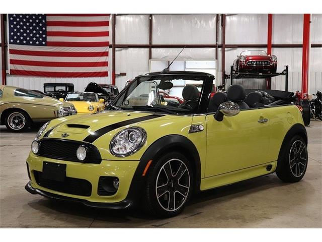 Picture of 2009 MINI Cooper located in Kentwood Michigan - OIXD