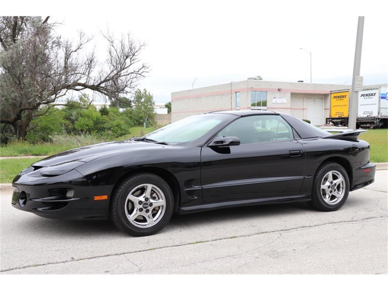 Large Picture of '98 Firebird Trans Am located in Alsip Illinois - $16,900.00 Offered by Midwest Car Exchange - OIXQ