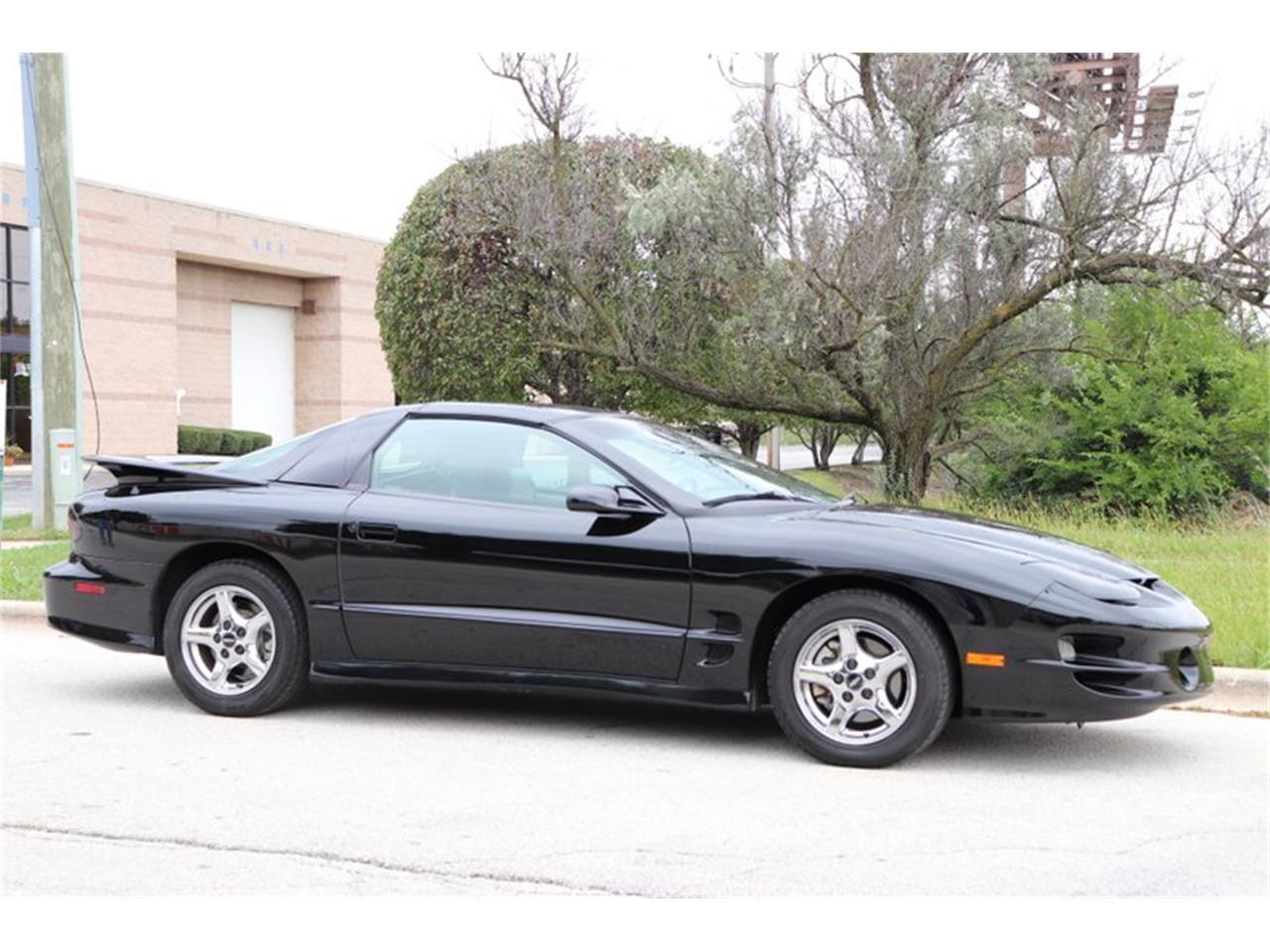 Large Picture of '98 Firebird Trans Am located in Alsip Illinois - OIXQ