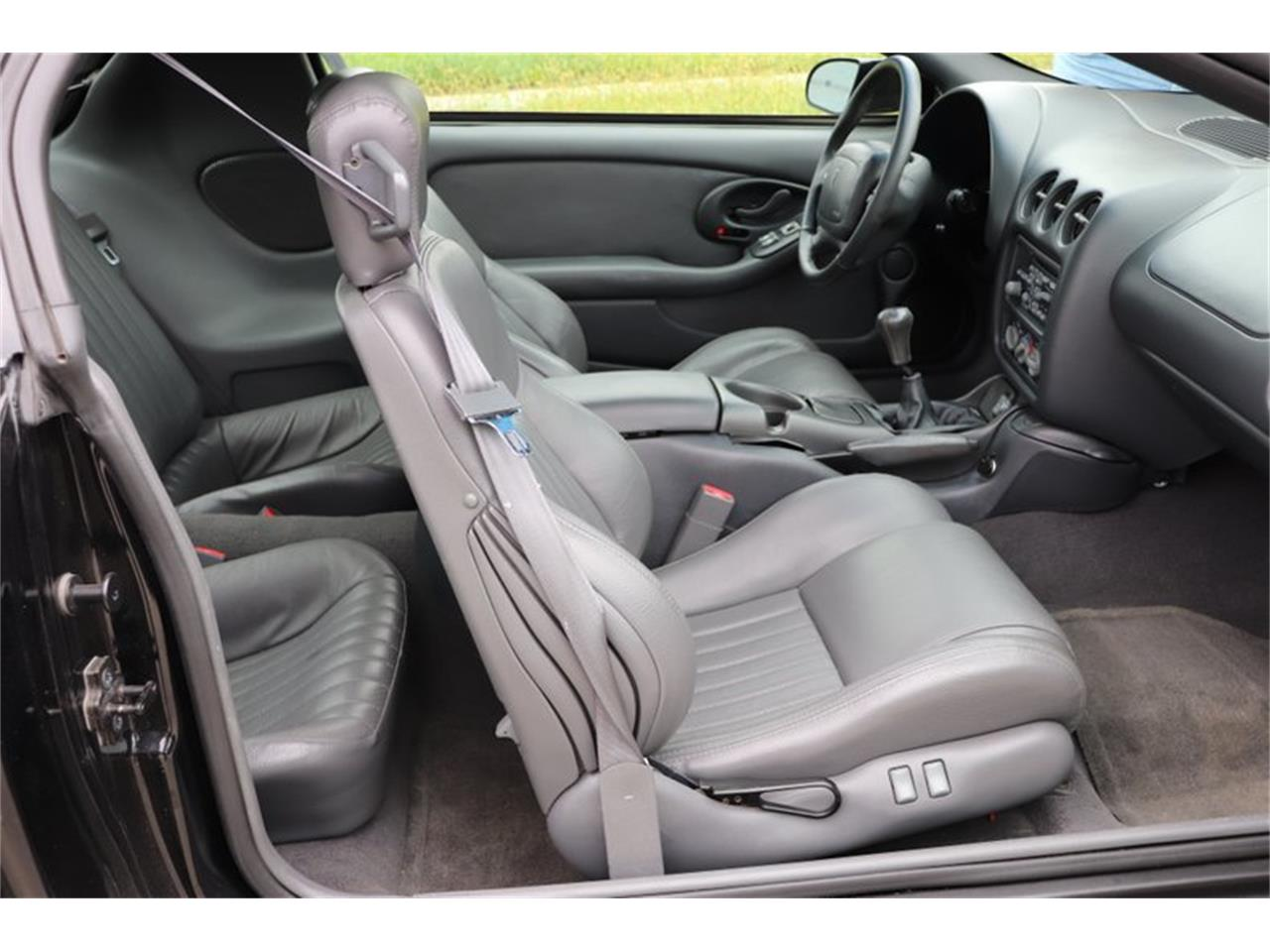 Large Picture of 1998 Firebird Trans Am Offered by Midwest Car Exchange - OIXQ