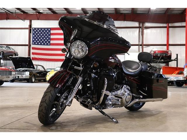 Picture of 2011 Harley-Davidson Street Glide located in Kentwood Michigan Offered by  - OG0I