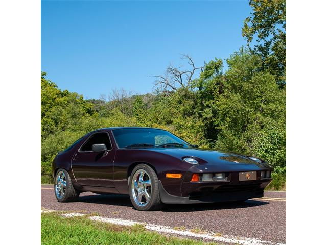 Picture of 1984 Porsche 928S located in St. Louis Missouri - OJUQ