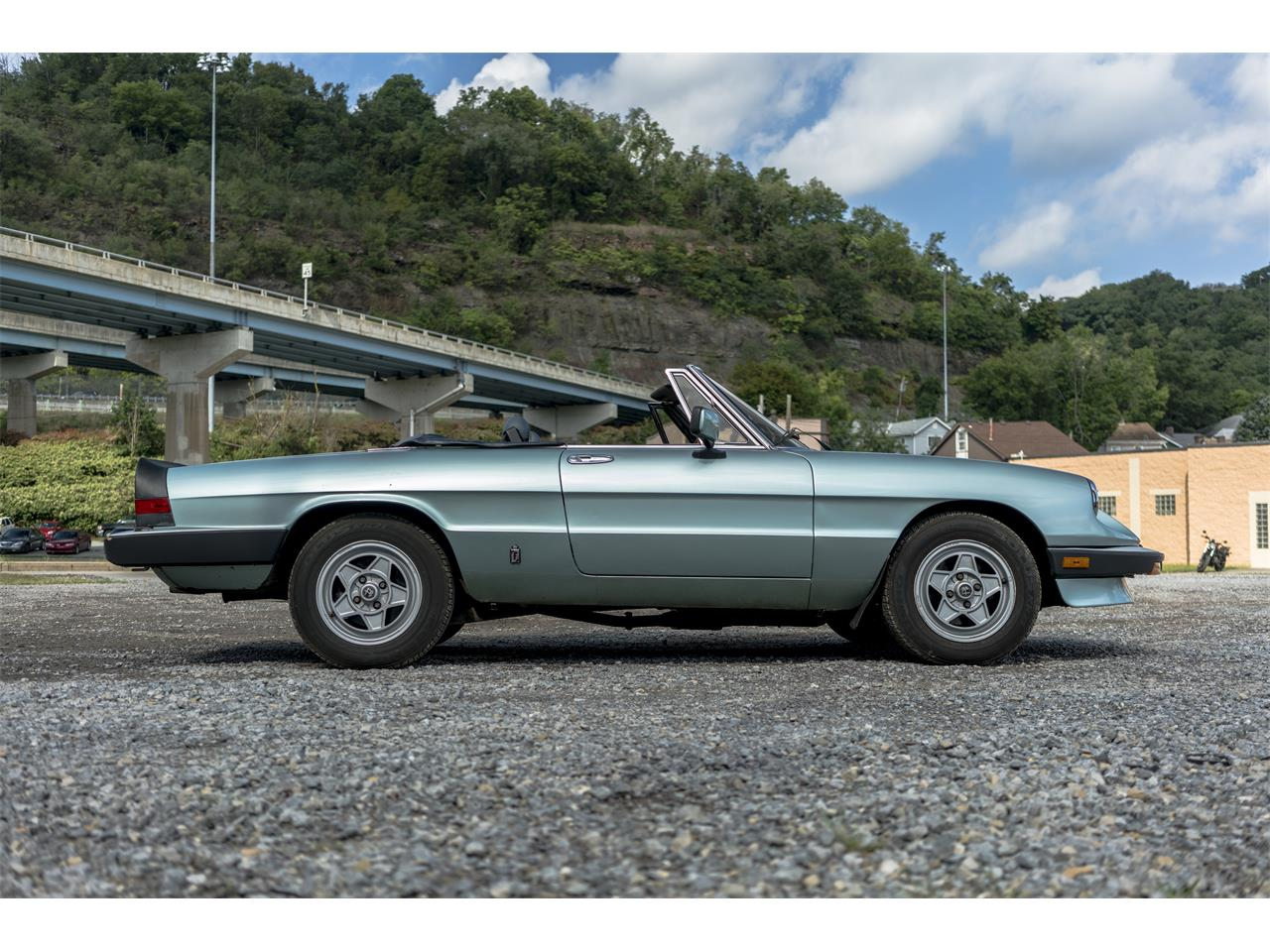 Large Picture of '83 Alfa Romeo 2000 Spider Veloce located in Sharpsburg Pennsylvania - $9,500.00 - OK5K