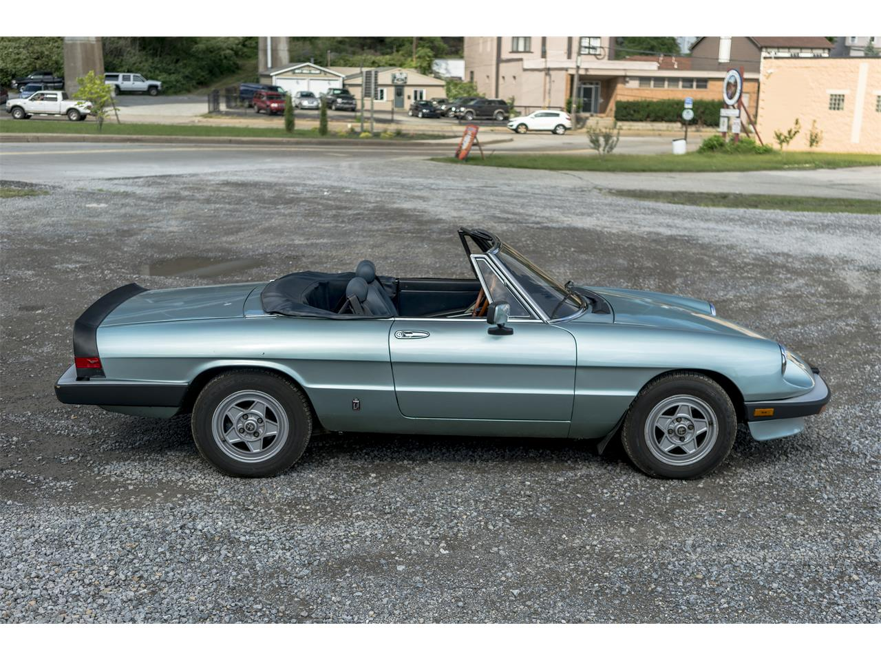Large Picture of '83 2000 Spider Veloce located in Sharpsburg Pennsylvania Offered by Fort Pitt Classic Cars - OK5K