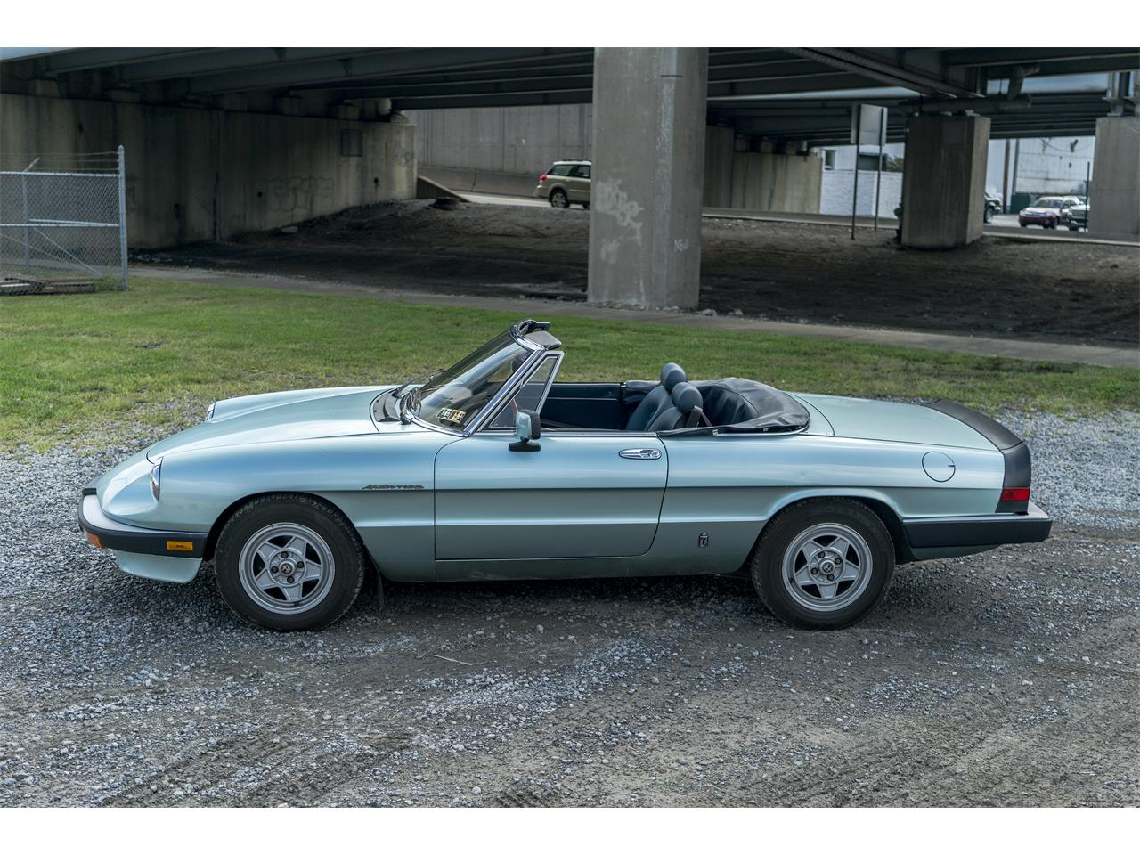 Large Picture of '83 Alfa Romeo 2000 Spider Veloce Offered by Fort Pitt Classic Cars - OK5K