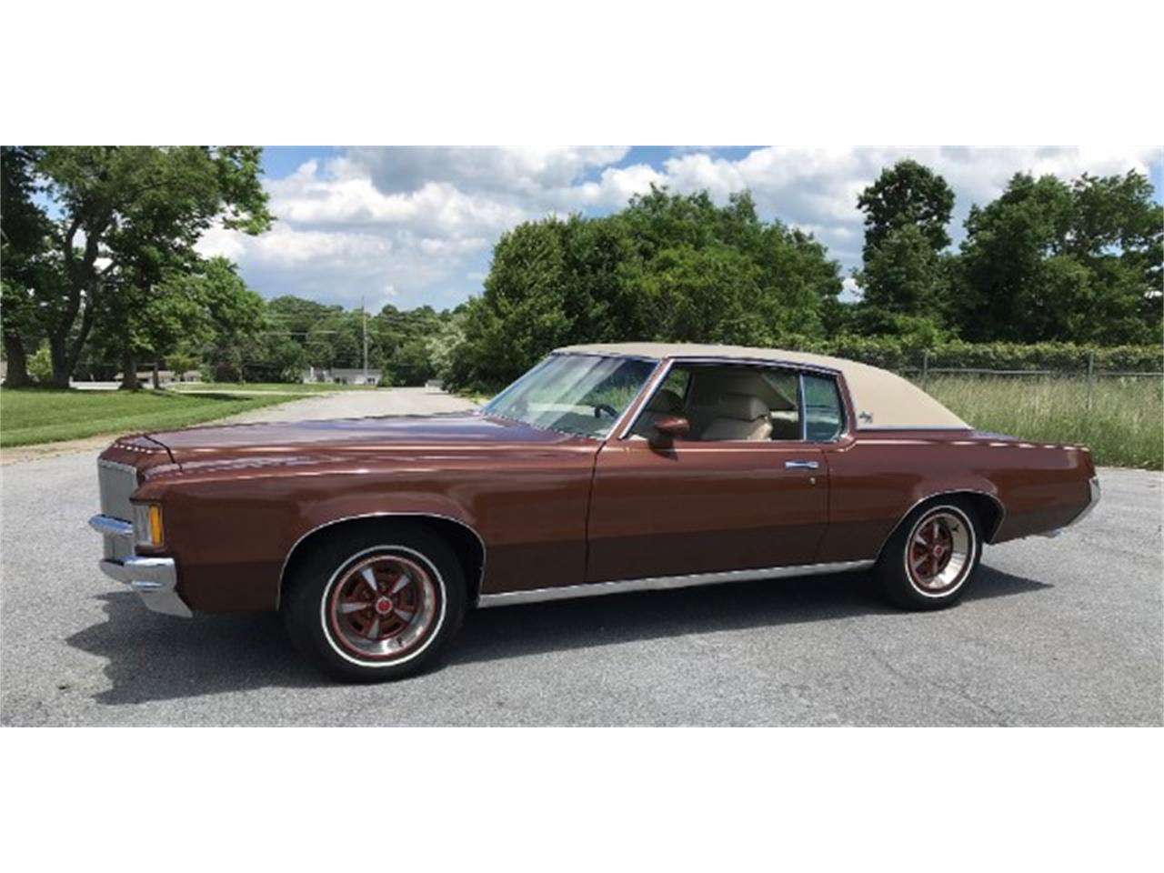 Large Picture of 1971 Pontiac Grand Prix Offered by Champion Pre-Owned Classics - OKMI
