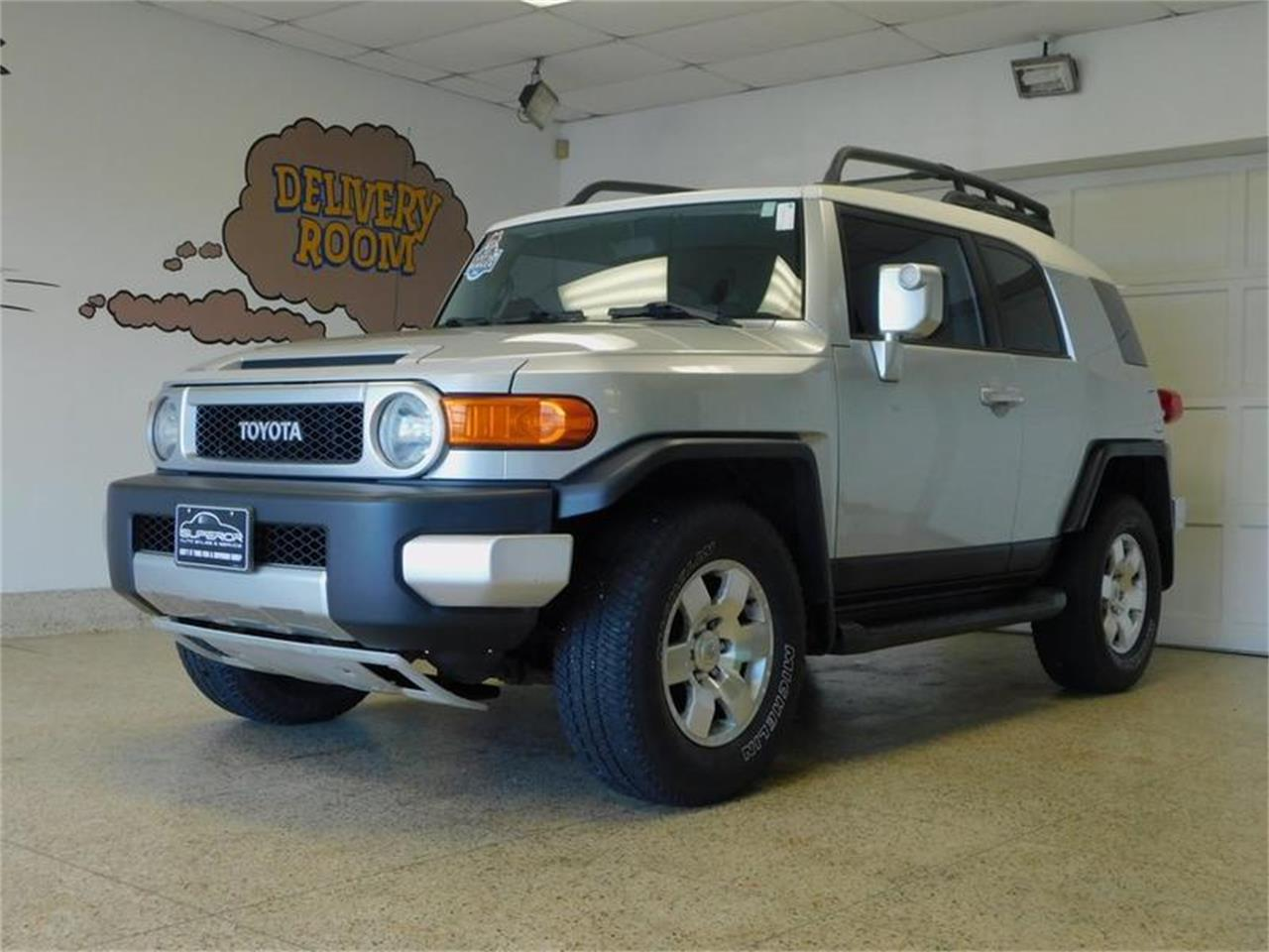 Large Picture of 2007 FJ Cruiser located in New York Offered by Superior Auto Sales - OKX8