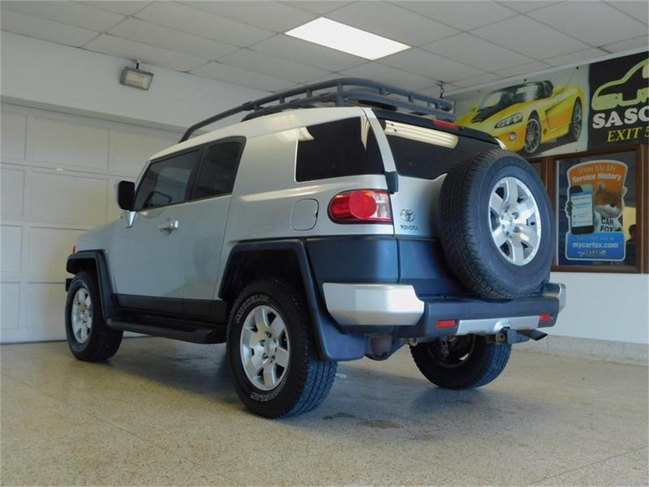 Large Picture of '07 Toyota FJ Cruiser located in Hamburg New York - $14,988.00 Offered by Superior Auto Sales - OKX8