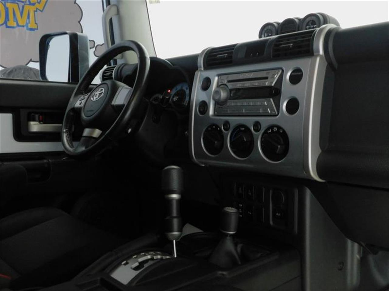 Large Picture of '07 Toyota FJ Cruiser Offered by Superior Auto Sales - OKX8