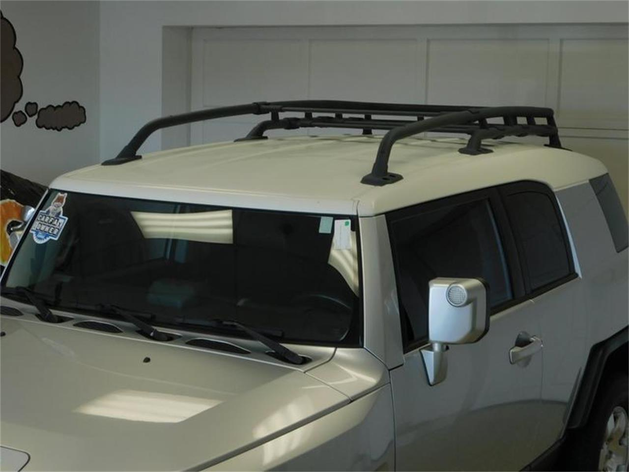 Large Picture of '07 FJ Cruiser - $14,988.00 Offered by Superior Auto Sales - OKX8
